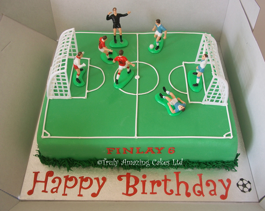 1000+ images about Football cakes on Pinterest Soccer ...